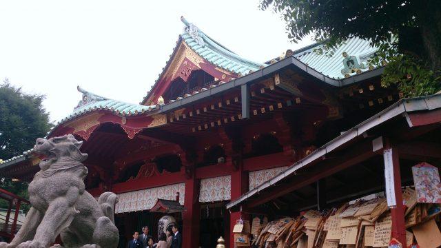 狛犬(右)・社殿