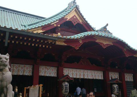 狛犬(左)・社殿