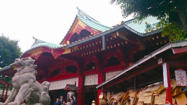 拝殿(右正面)・狛犬(右)