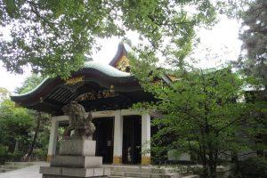 王子神社 拝殿(右正面)