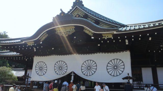 拝殿(右正面)