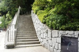 日枝神社 南側の石段