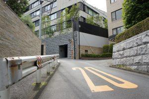 赤坂氷川神社 南側の道2