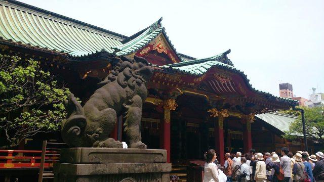 根津神社 社殿・狛犬