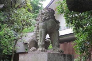 東参道 一の鳥居前 狛犬(吽)