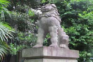 東参道 一の鳥居前 狛犬(阿)