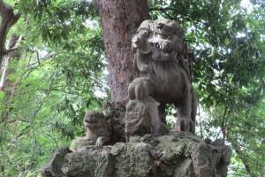 東参道 二の鳥居前 狛犬(阿)