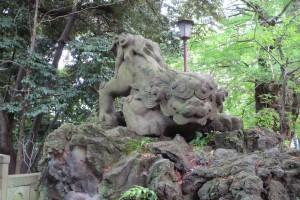 東参道 二の鳥居前 狛犬(吽)