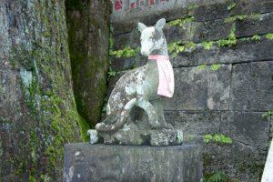 狛犬 拝殿(左)
