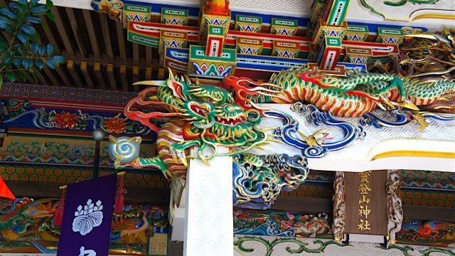 社殿 装飾2